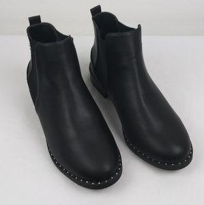 Torrid Black Chelsea Ankle Booties W/Stud welt(10)